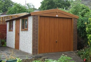 Single Apex Garage with Woodgrain features